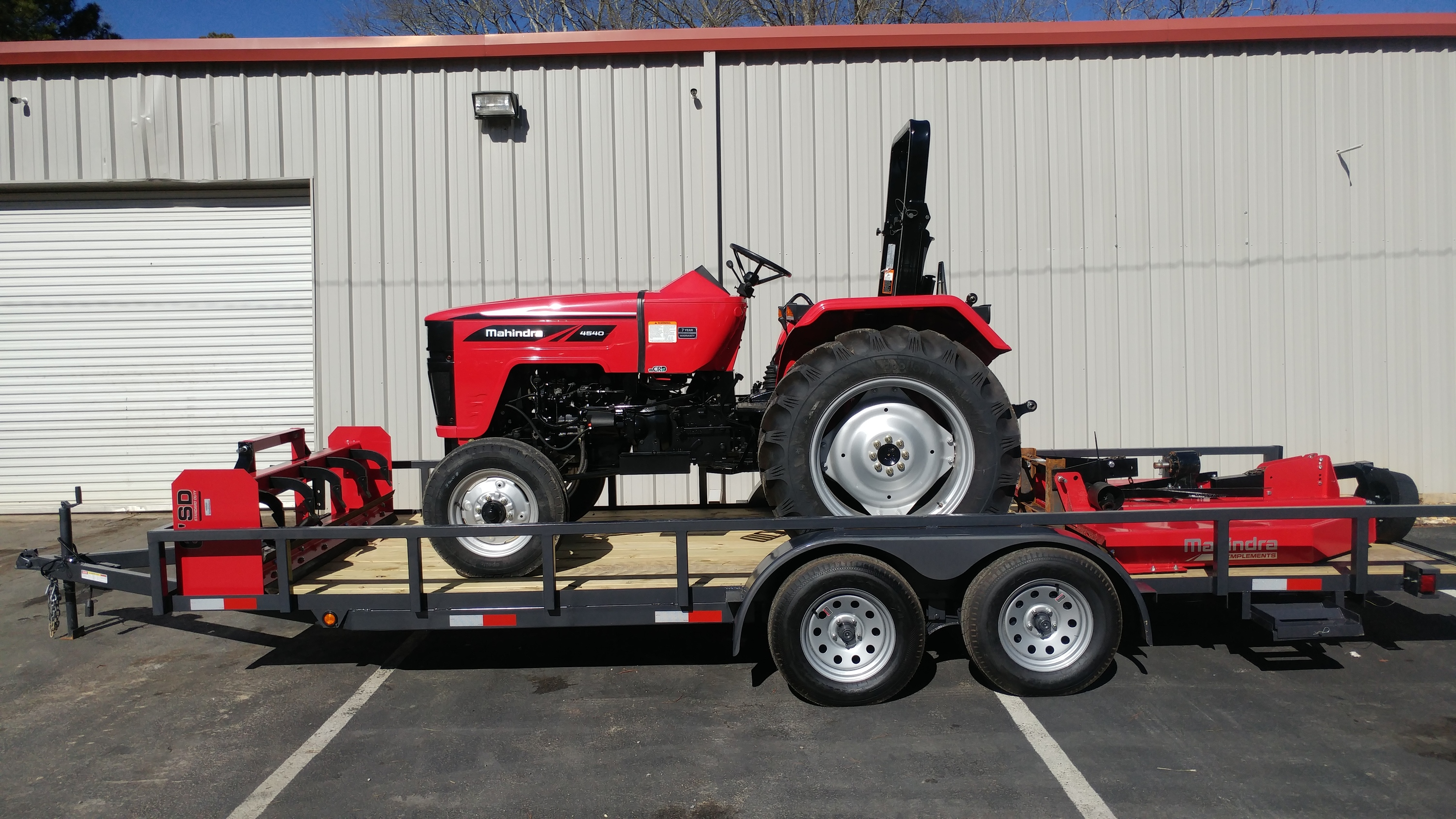 40 Hp 2wd Tractor With 8 X 2 Transmission 6 Mahindra Rotary Mower Box Blade 20 Dual Axle Trailer Brakes And Loading Ramps Package
